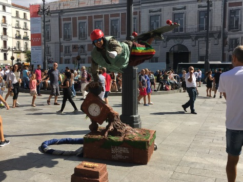 Street performer, how does he do that?